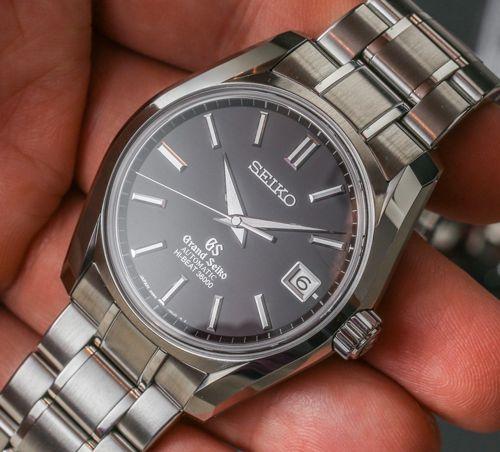 Mua đồng hồ chính hãng ở đâu Hà Nội uy tín?