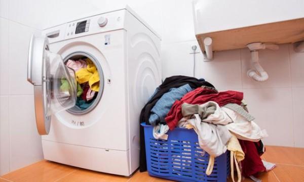 Máy giặt không quay được phải làm sao?