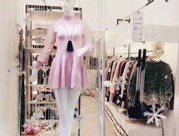Top 10 shop quần áo nữ đẹp chuẩn không cần chỉnh tại TPHCM