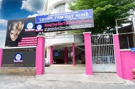 Top 10 địa chỉ dạy học trang điểm chuyên nghiệp ở TPHCM