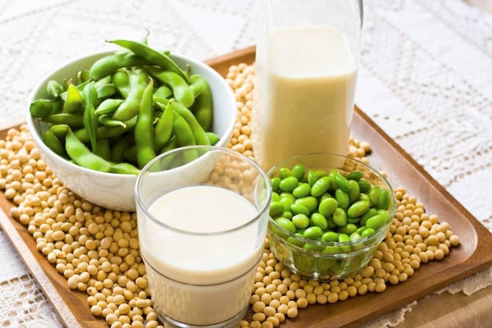 Top 5 thực phẩm chống loãng xương cho người già